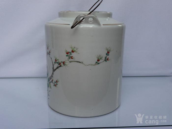 晚清民国名家制作粉彩瓷茶壶图2