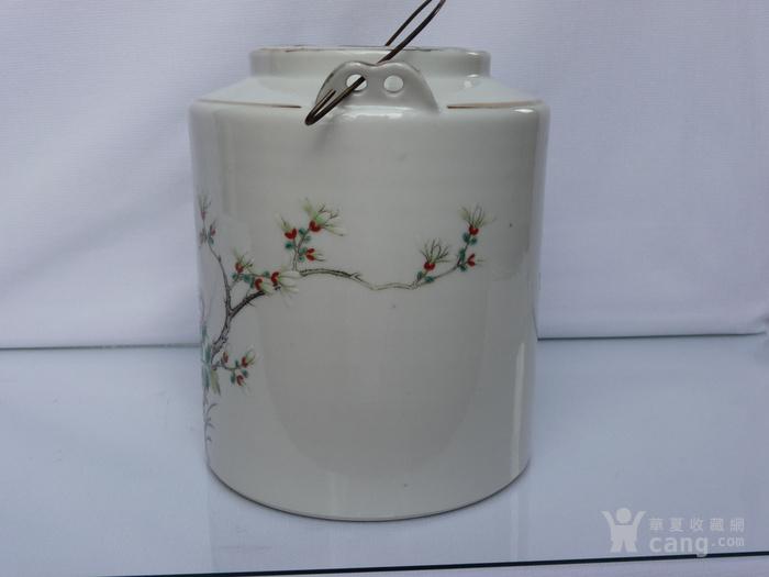 晚清民国名家制作粉彩瓷茶壶图3