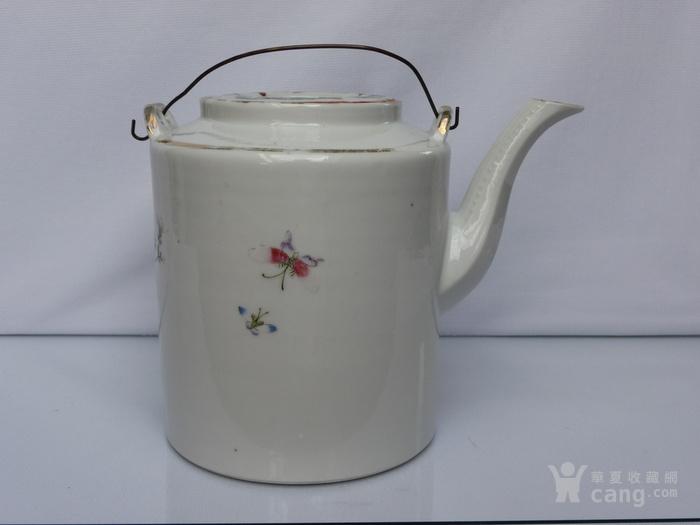 晚清民国名家制作粉彩瓷茶壶图4