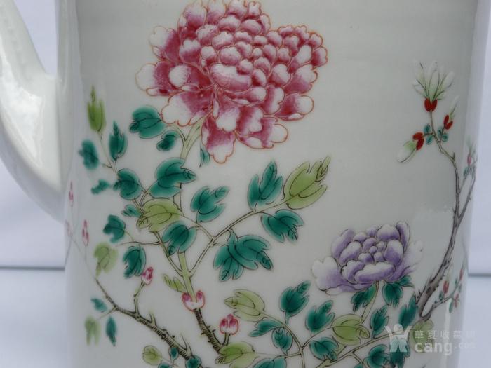 晚清民国名家制作粉彩瓷茶壶图6