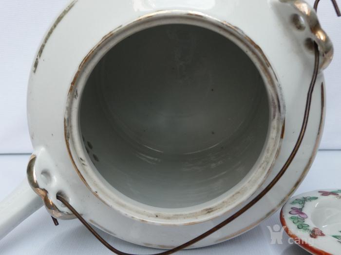 晚清民国名家制作粉彩瓷茶壶图9