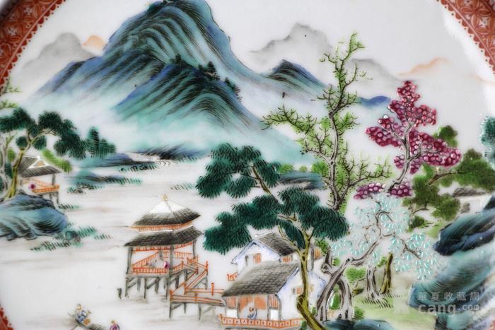 盘中绘山水楼阁风景等纹饰,画工特别精美.
