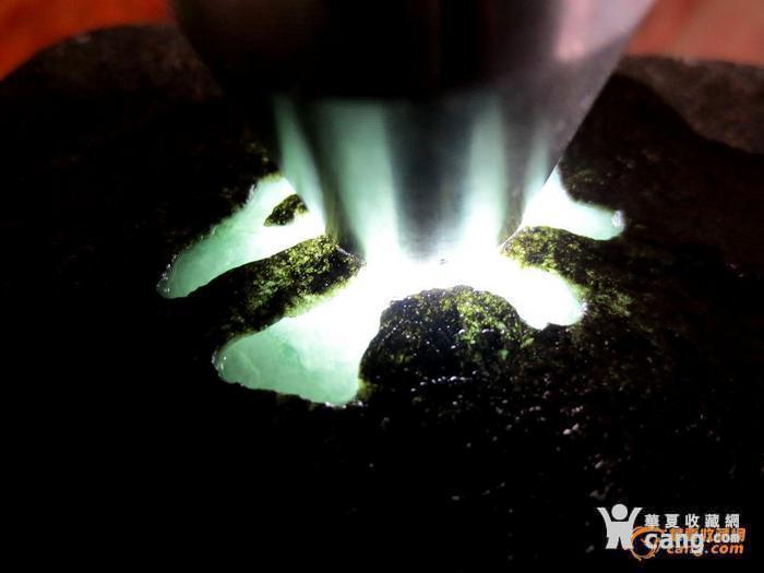 2斤多缅甸精品翡翠原石 赌冰种 150图1