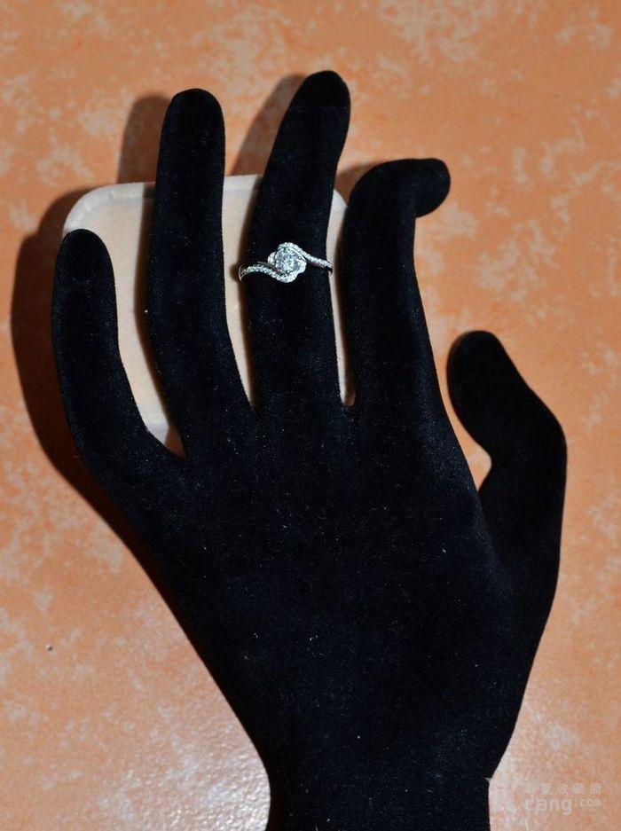 女款钻戒 18K金镶天然南非钻石戒指 32分E色VS1净度图1