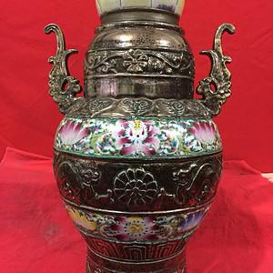 清代铜胎珐琅瓶