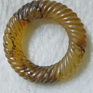 老玛瑙绞丝环