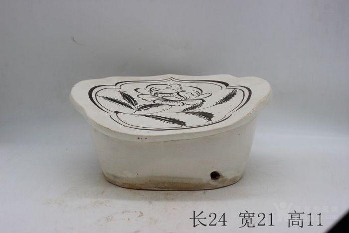 磁州窑白底黑花花卉如意枕图1