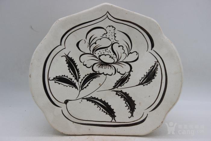磁州窑白底黑花花卉如意枕图3