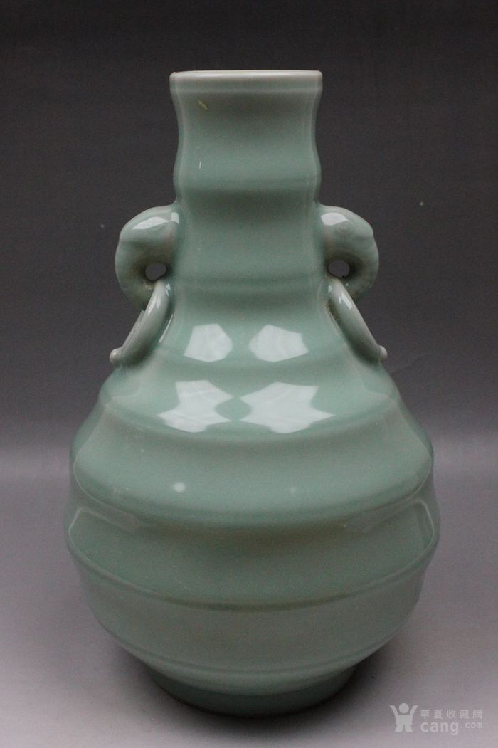 青瓷像耳瓶图7
