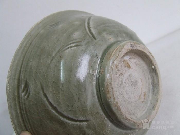 出水的南宋刻纹龙泉碗图8