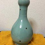龙泉窑飞青瓷蒜头瓶
