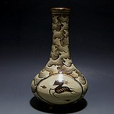宋.吉州窑彩绘开光鹿纹长颈瓶