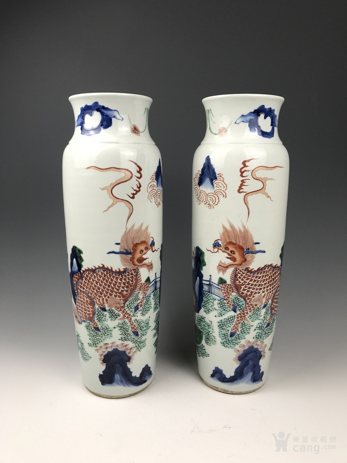清代 青花五彩麒麟芭蕉纹筒瓶图1