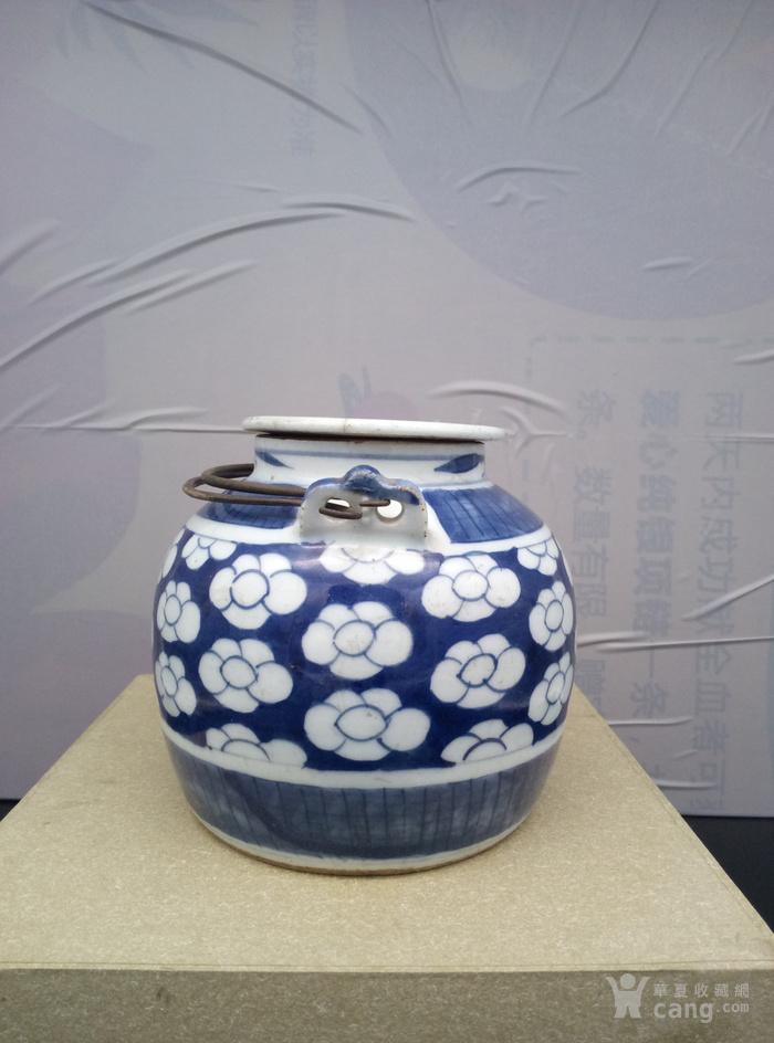 青花壶。图2