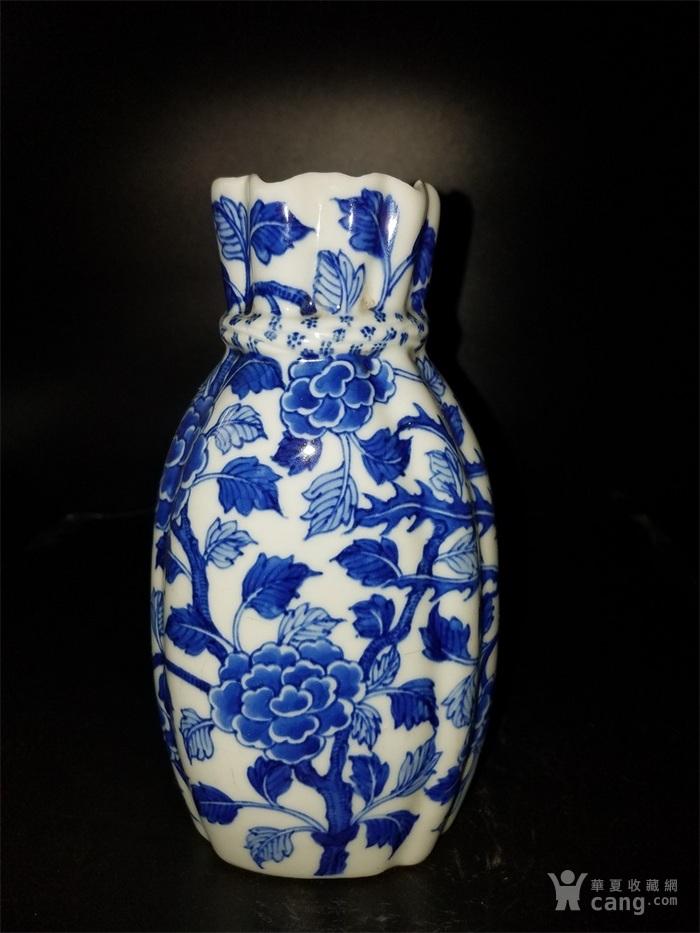 青花鸟布袋瓶子图2