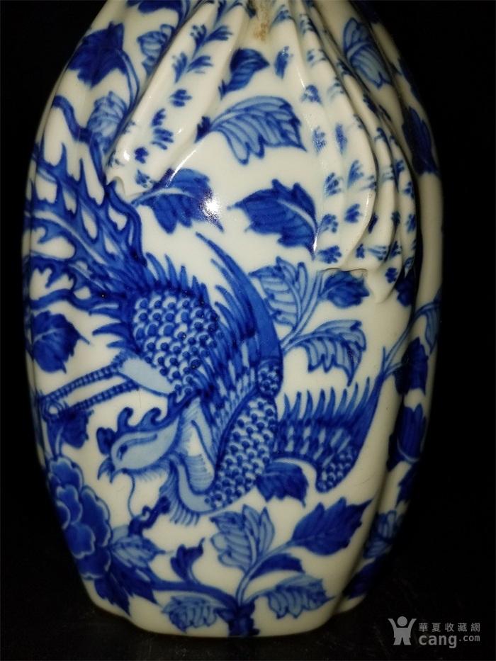 青花鸟布袋瓶子图4