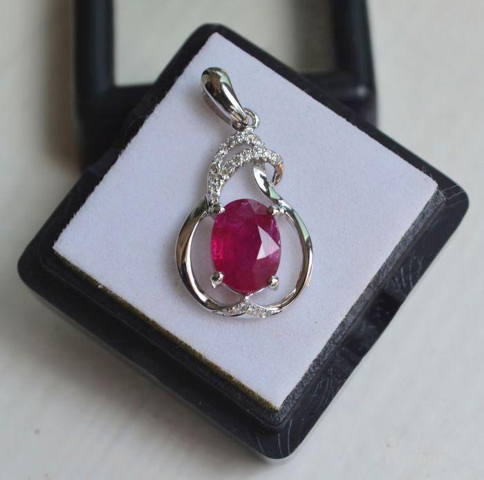 红宝石吊坠 纯天然缅甸抹谷红宝石18K金镶钻石吊坠图4