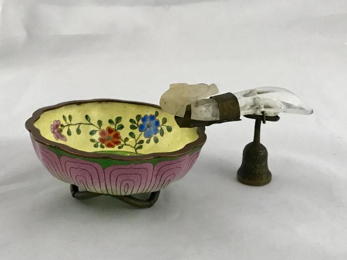 水晶龙钩,铜胎珐琅碗组合图1