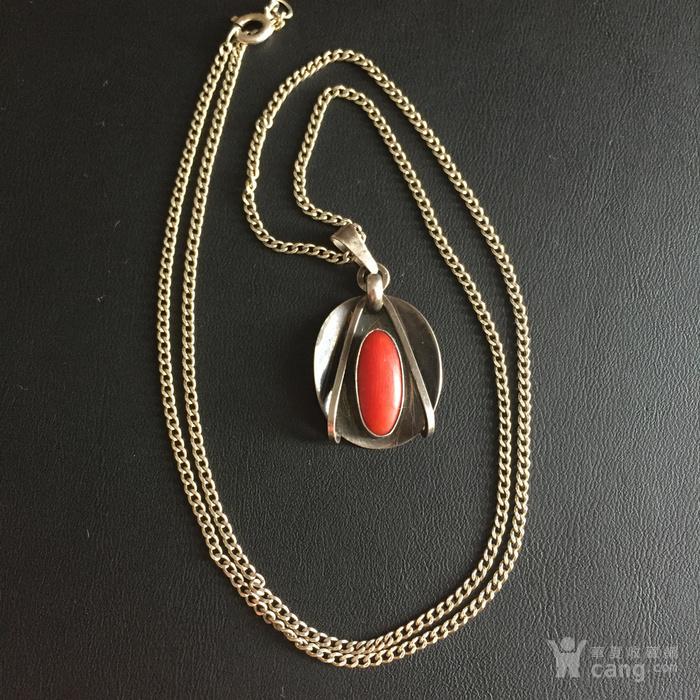 镶红珊瑚老银吊坠图2