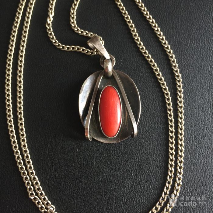 镶红珊瑚老银吊坠图1