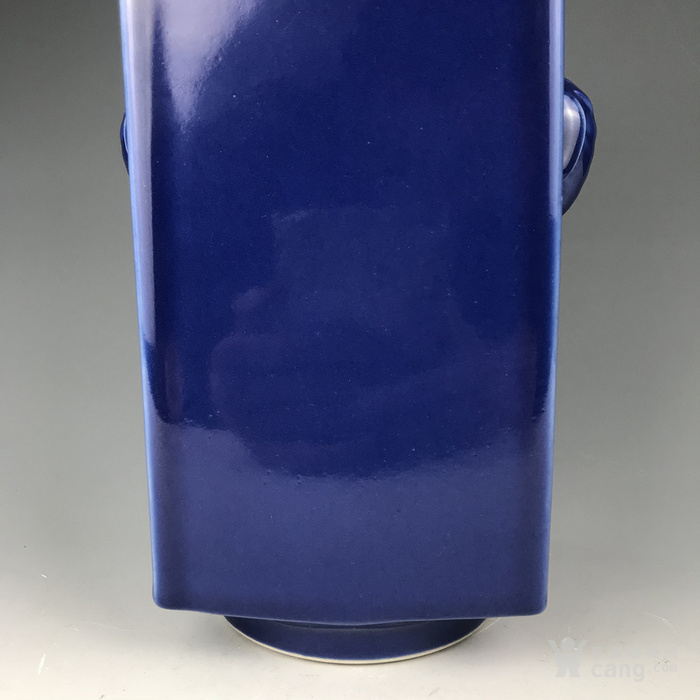 清代 霁蓝象耳方尊图5