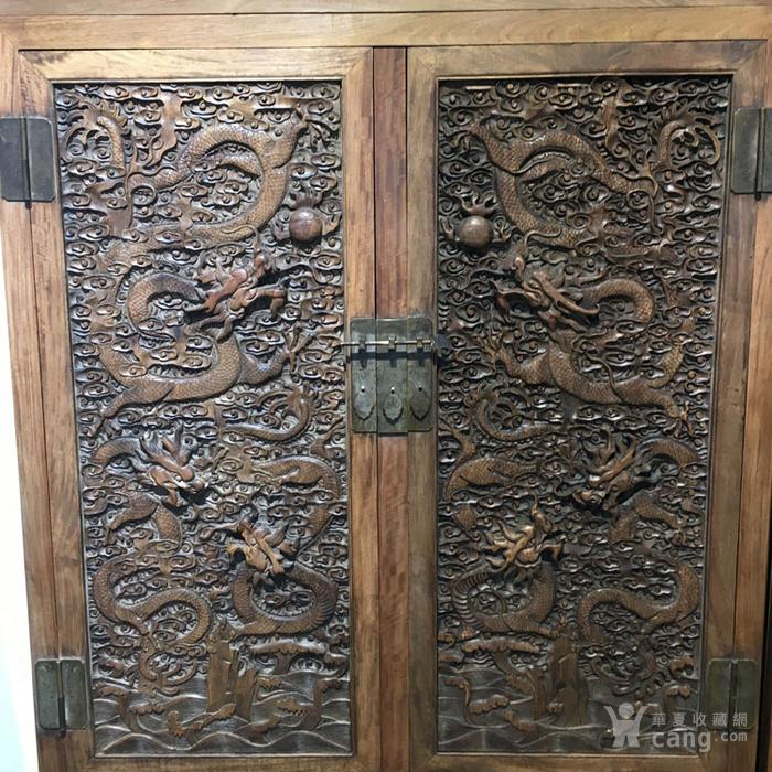 清代满工雕刻高浮雕龙纹大顶箱柜明清家具老黄花梨图5