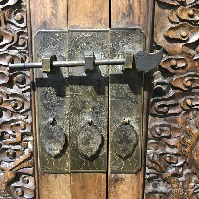 清代满工雕刻高浮雕龙纹大顶箱柜明清家具老黄花梨图7