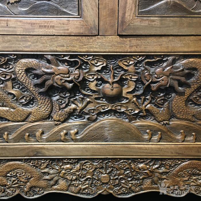 清代满工雕刻高浮雕龙纹大顶箱柜明清家具老黄花梨图8