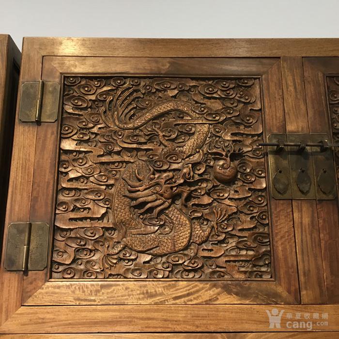 清代满工雕刻高浮雕龙纹大顶箱柜明清家具老黄花梨图9