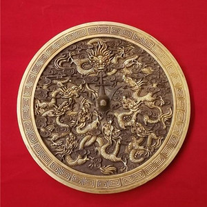 铜鎏金龙纹镜子