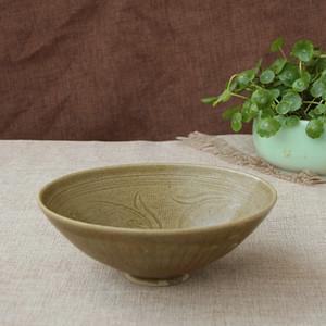 宋同安窑青黄釉刻花纹碗