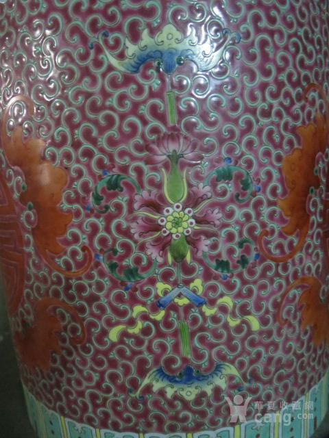 清代粉彩团寿纹花缸一对图3