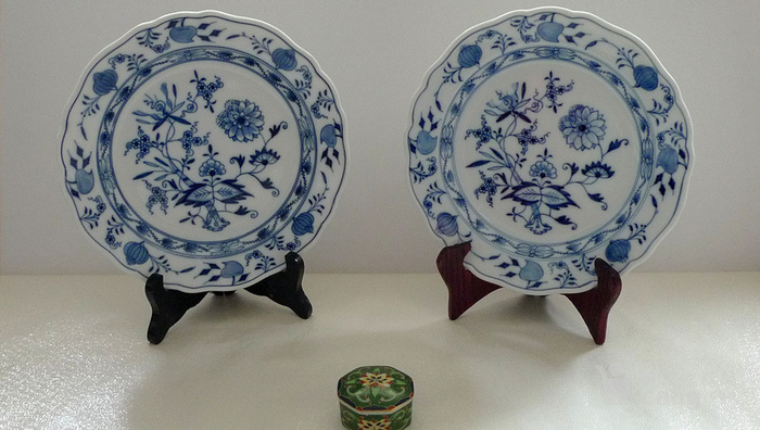 德国麦森1924 34青花瓷盘一对 欧洲名瓷翘楚图1