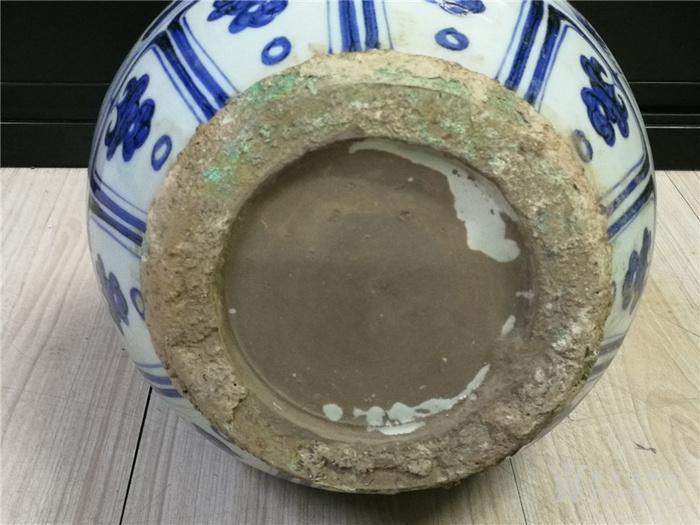 青花包铜口葫芦瓶图10