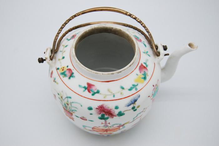 清 粉彩八宝纹茶壶d70图9