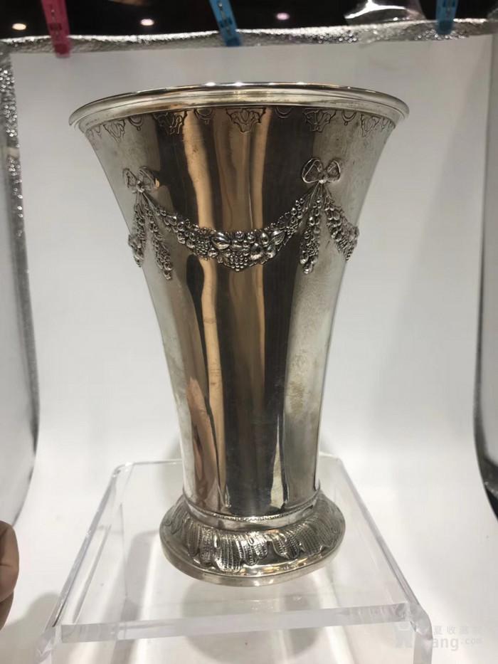 欧洲古董纯银花瓶图1