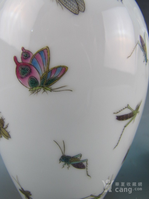 清代珐琅彩昆虫纹赏瓶一对图7