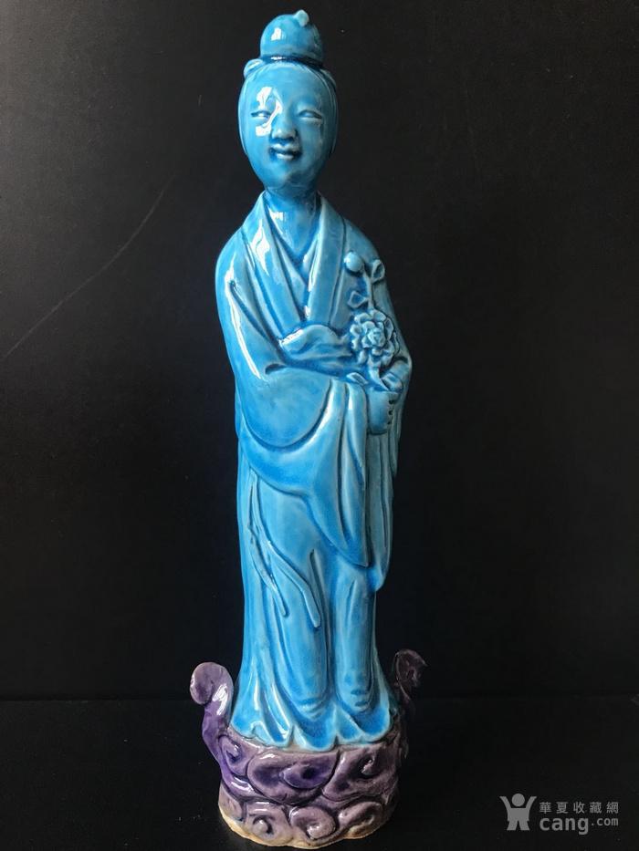 孔雀蓝釉仕女瓷塑图1