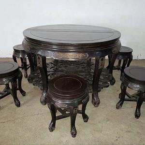 紫檀对半开圆桌六凳