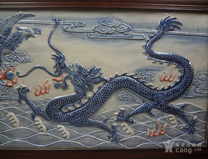 晚清青花釉里红龙凤纹瓷图4