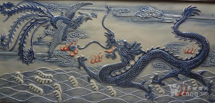 晚清青花釉里红龙凤纹瓷图3