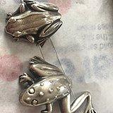 2只银青蛙胸针年代老,925银800元英国直邮