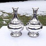 一对纯银花瓶 造型优美 满身浮雕