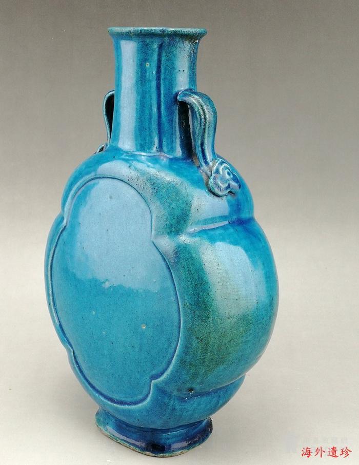 清中期 孔雀蓝釉如意云耳海棠式瓶图11