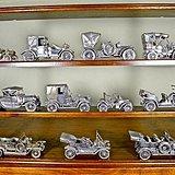 银老爷车模型,一共11辆,每一辆都有100多克,纯手工制作