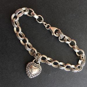 Q6273 精美心形坠纯银手链