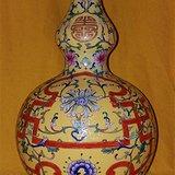 珐琅彩花卉葫芦瓶