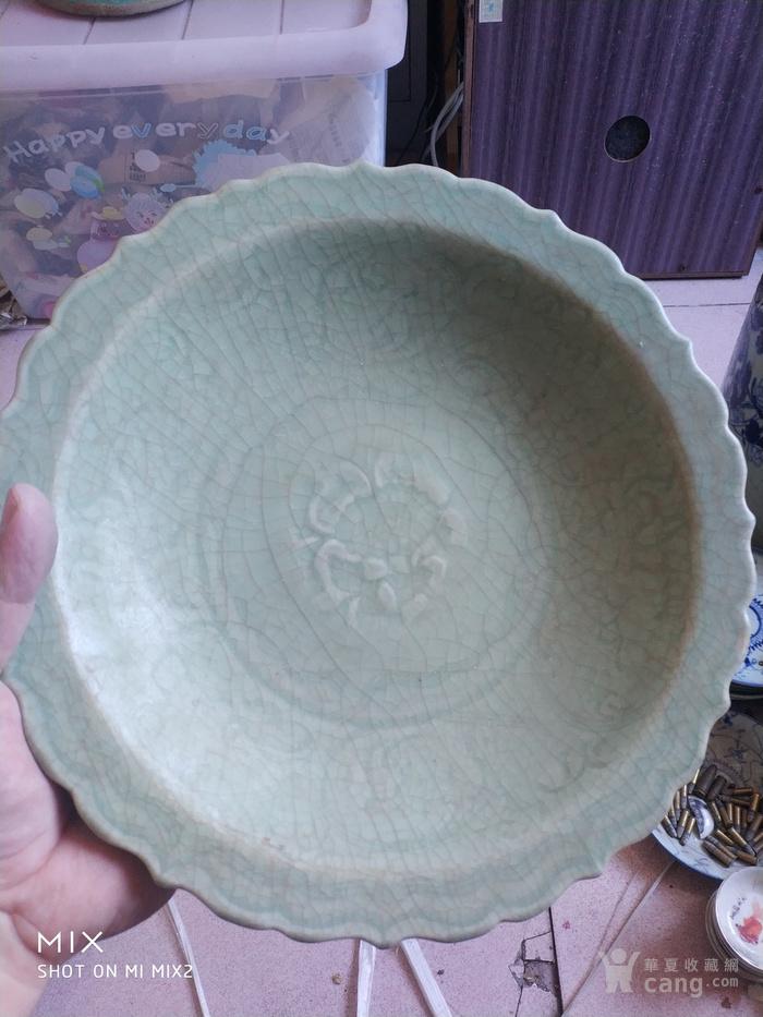 元代龙泉窑青釉碗图1