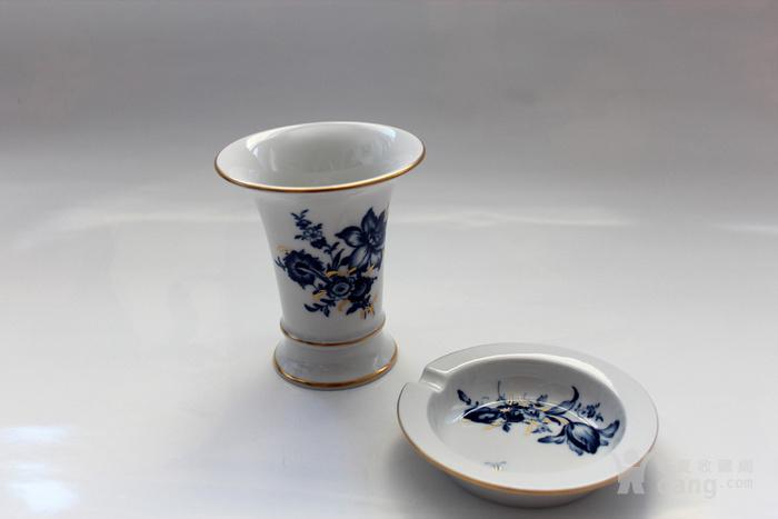 精 德国麦森Meissen青花金彩花觚式花瓶 烟缸套装图1