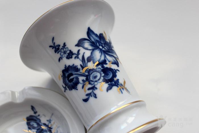 精 德国麦森Meissen青花金彩花觚式花瓶 烟缸套装图4